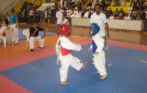 Crianças da FME em Campeonato Infantil na sede da instituição (Foto: Divulgação)