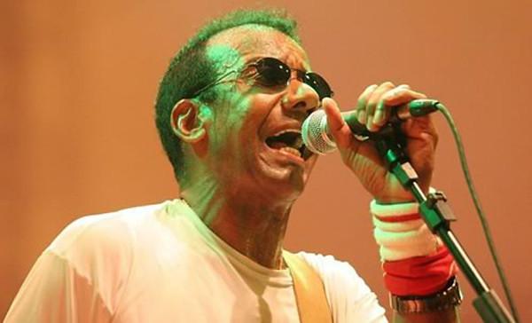 O cantor Jorge Ben Jor será a atração deste sábado (14), às 22h, no palco da Aldeia do Sol (Foto: Divulgação)